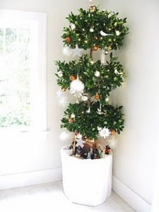 Bea Johnson Christmas tree for zero waste