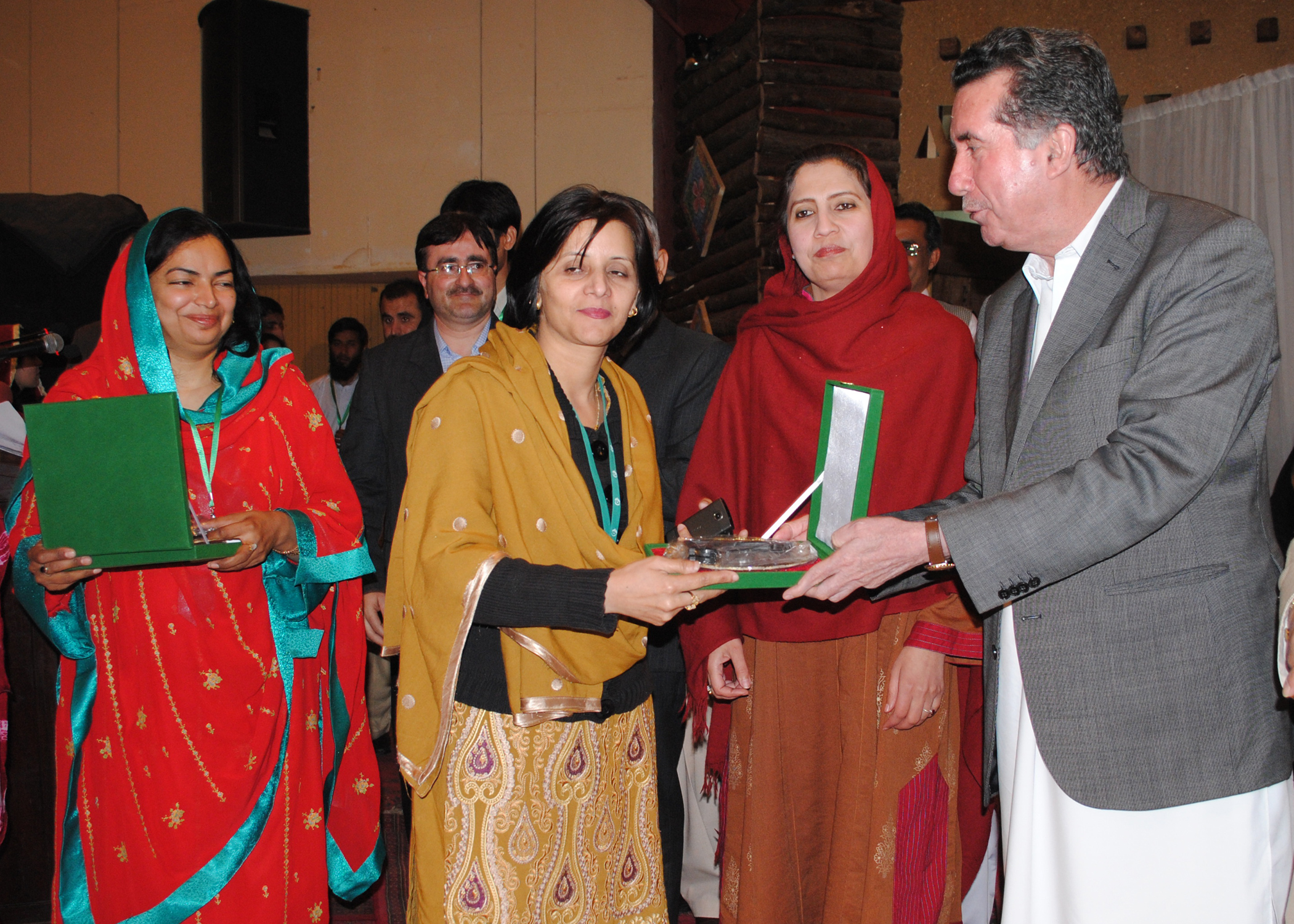 Farzana receives Award