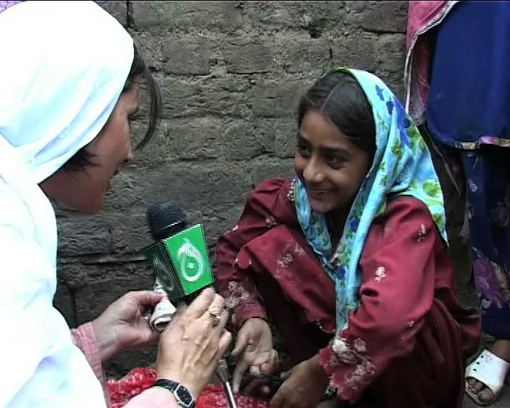 Farzana Ali during flood coverage in Charsadda