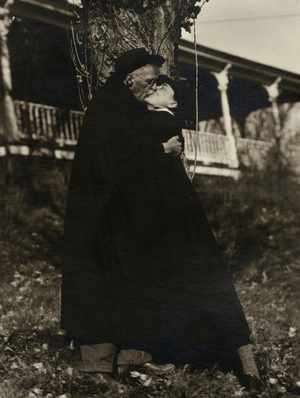 Georgia O'Keeffe and Alfred Stieglitz Kissing at Lake George, 1929, credit Yale Collection of American Literature, Beinecke Rare Book and Manuscript Library